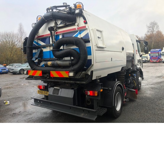 2015 RENAULT D16 EURO 6 in Truck Mounted Sweepers