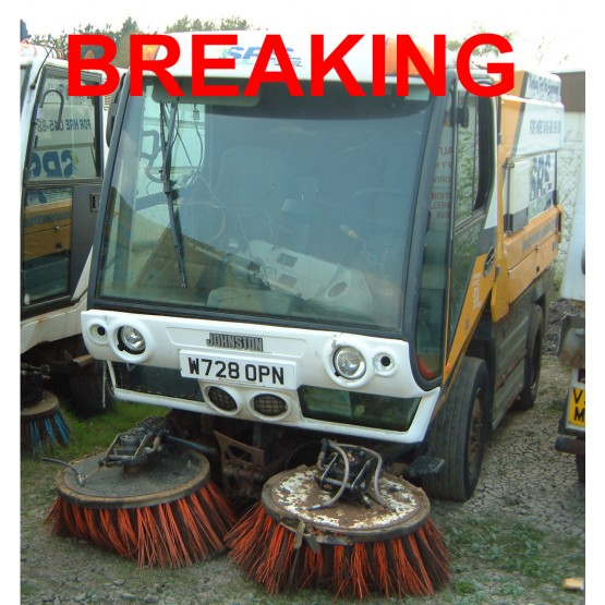 2000 JOHNSTON 5000 ROAD SWEEPER in Compact Sweepers